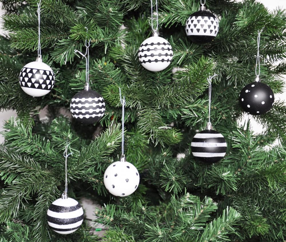 24x kunststoff christbaumkugeln 6 cm schwarz wei rot for Weihnachtsbaumkugeln schwarz