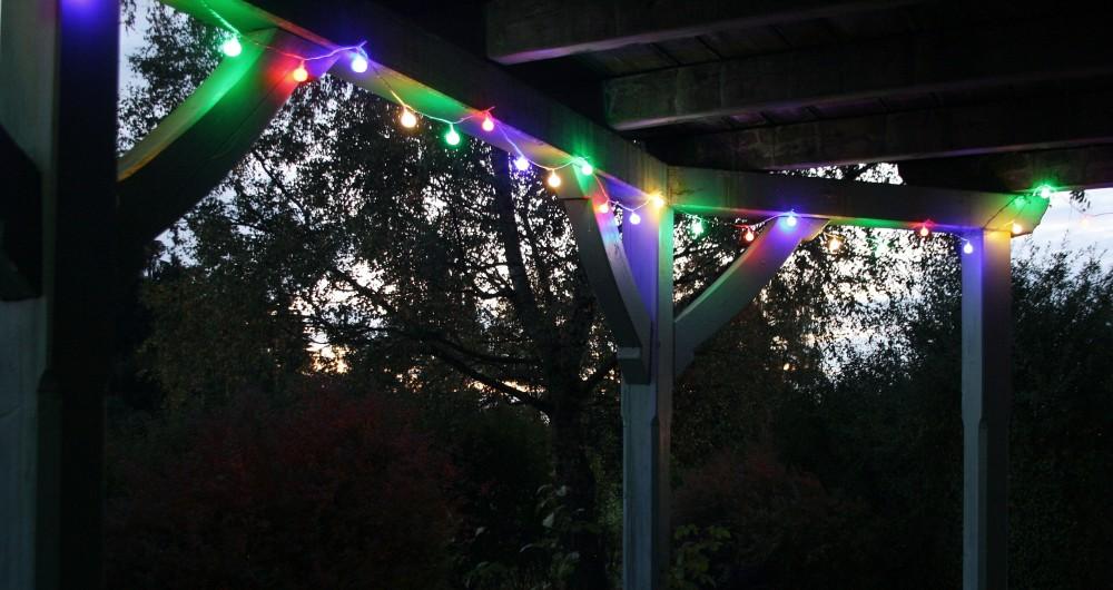 Led lichterkette bunt oder warmwei partylichterkette leds stabile kugeln ip44 beleuchtung sommer - Lichterkette garten sommer ...