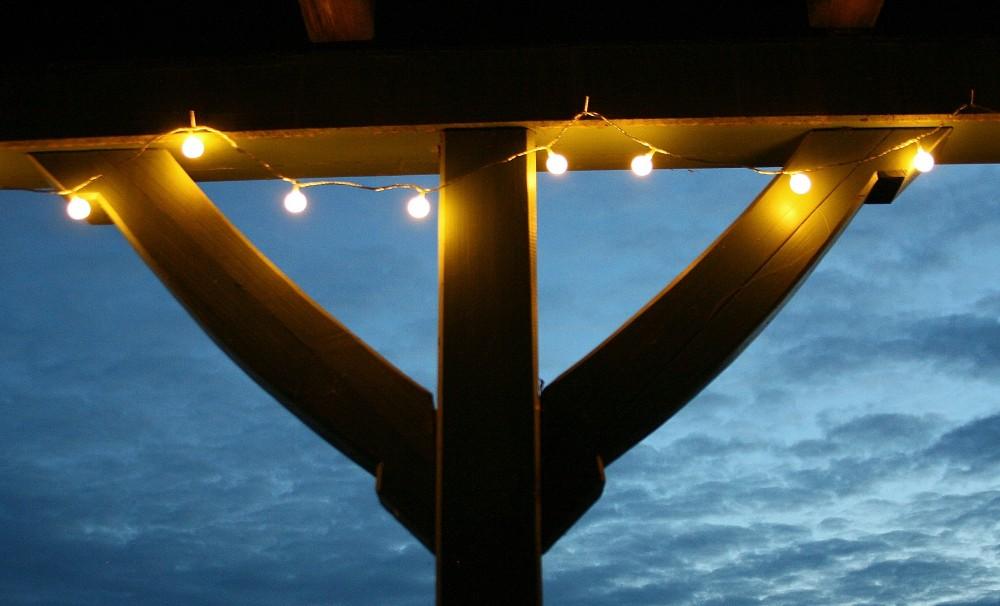 led lichterkette bunt oder warmwei partylichterkette leds stabile kugeln ip44 beleuchtung sommer. Black Bedroom Furniture Sets. Home Design Ideas